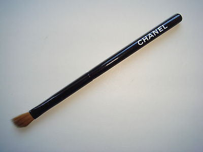 CHANEL Angle Eye Shadow Brush with sable hair  - MINI Size