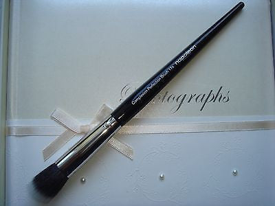 Napoleon Perdis Complexion Perfection Brush - 17s