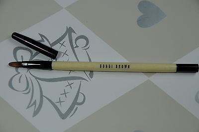 Bobbi Brown Concealer Brush with cap NEW VERSION  (cream color handle)