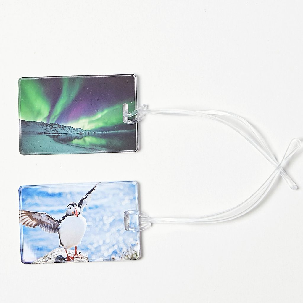 Luggage tags with the northern lights and the puffin