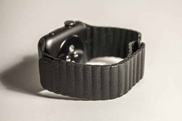 Magnetic Leather Loop Band