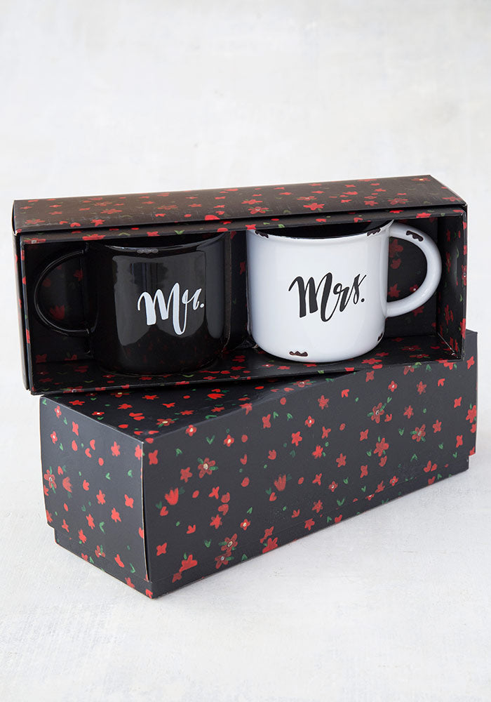 """Mr. & Mrs."" Mug Set"