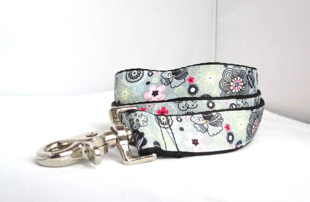 "1"" 4ft/ 6ft Grey flowers dog leash"
