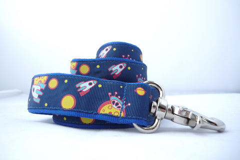 "1"" 4ft and 6 ft spaceship dog leash"