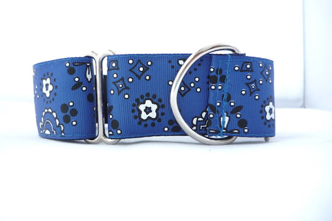 "1.5"" wide martingale blue bandana dog collar"