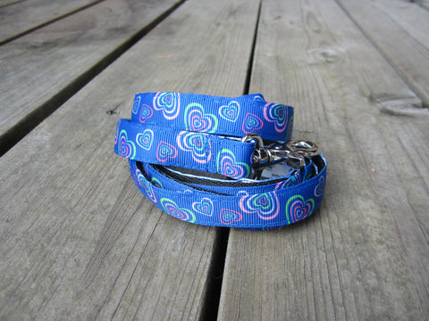 "3/4"" wide dog leash- blue hearts"