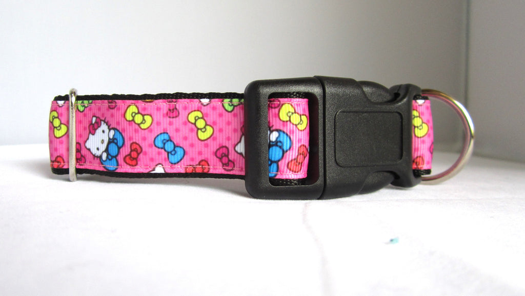 "1"" wide clasp dog collar- Hello Pink Kitty"
