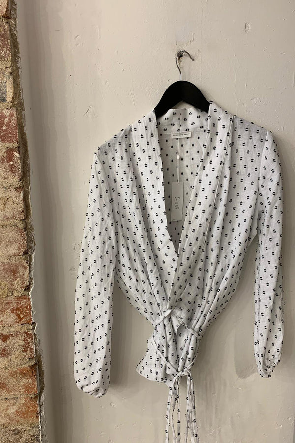 DOMINIQUE HEALY Akari Wrap Top in White with Black Spot