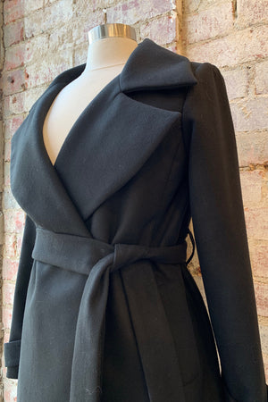 LISA TARANTO Tess Coat in Black