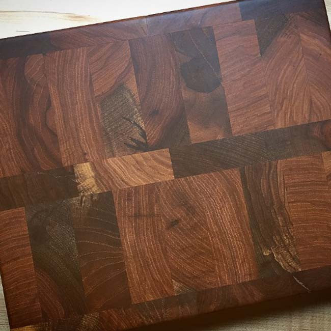 In-Grain Pecan Wood Cutting Board