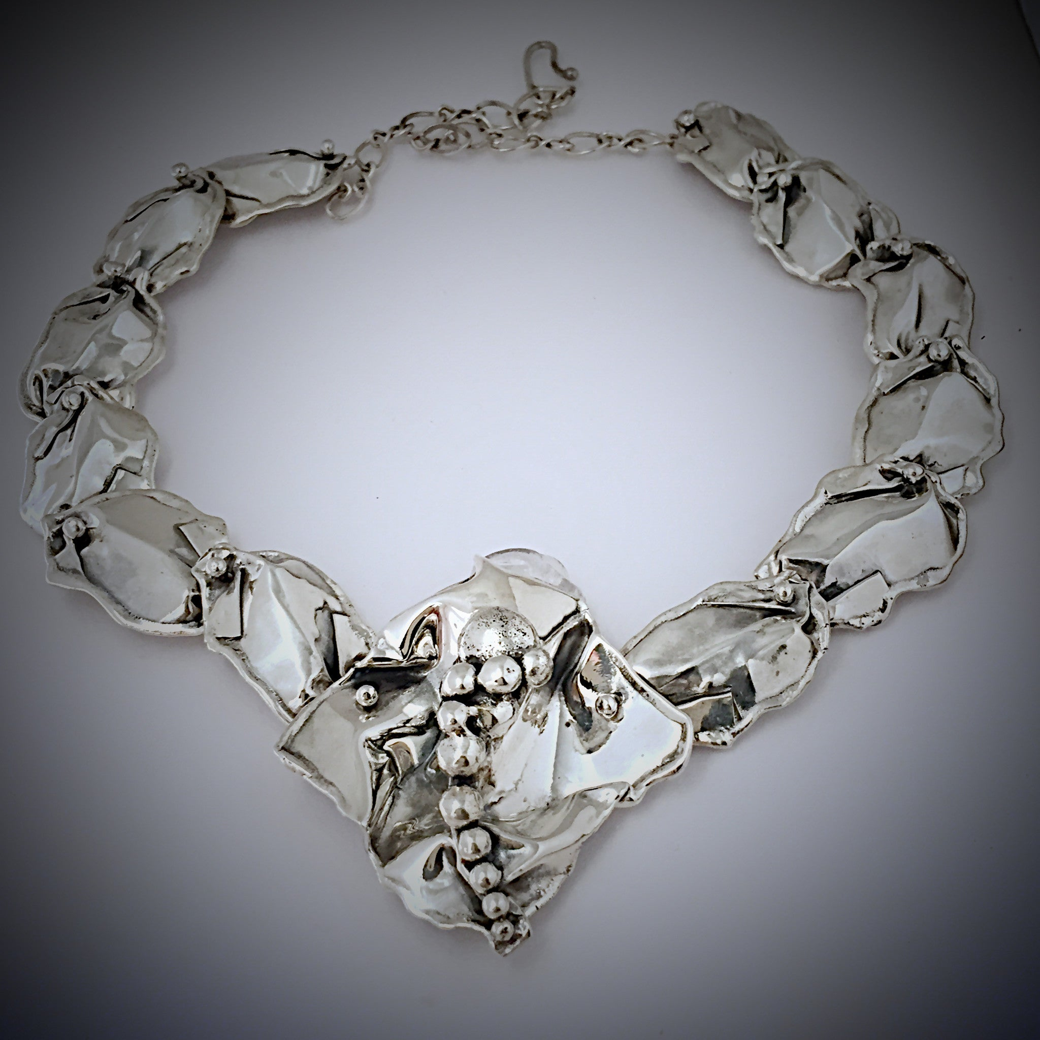 Silver Petal Flower Cente Necklace