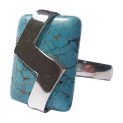 CABOCHON HOWLITE TURQUOISE WITH DESIGN ON TOP