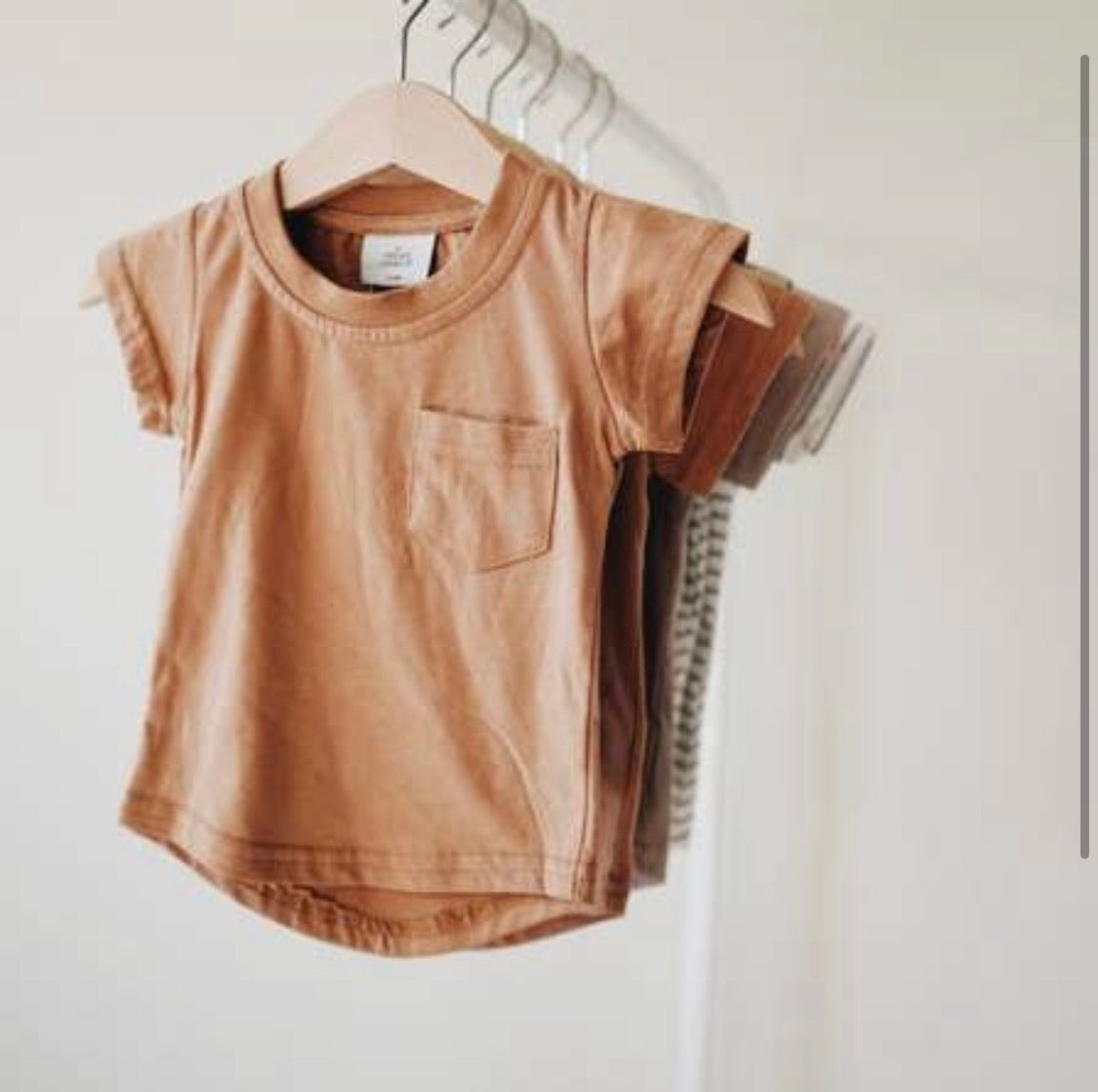 Pocket Tee - Camel