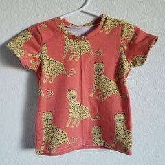 organic leopards in coral tee