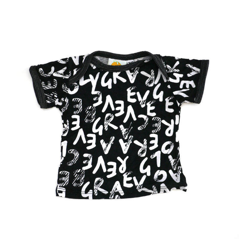 Black Letters Short Sleeve Lap Tee tops Kumquat