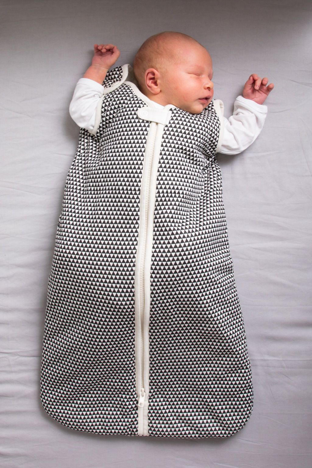 Winter Weight Organic Cotton Baby Sleeping Bag/Sleeping Sack - triangles