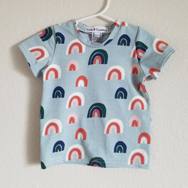 organic rainbow blue tee- last one! 3T
