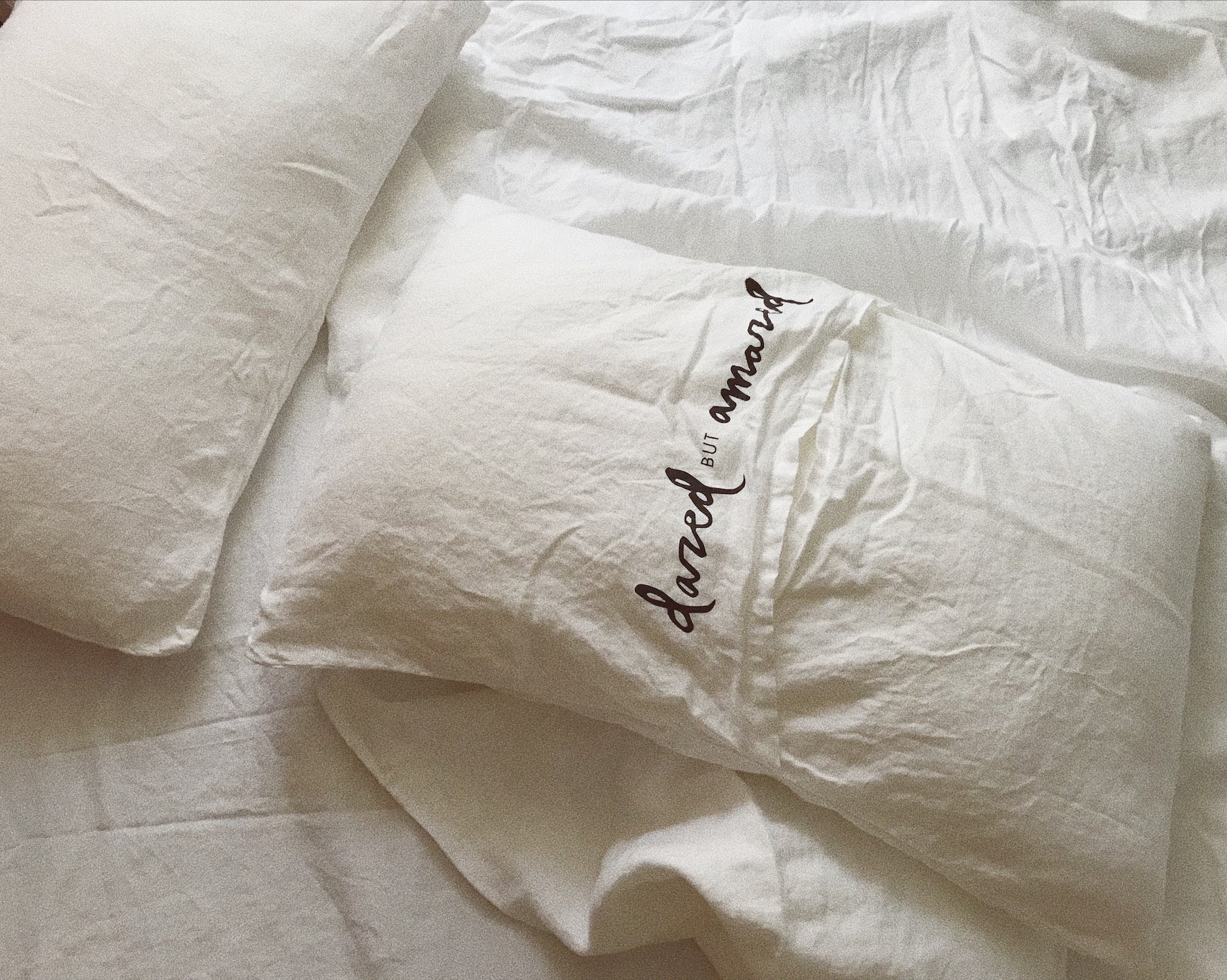 bed cover set . white linen