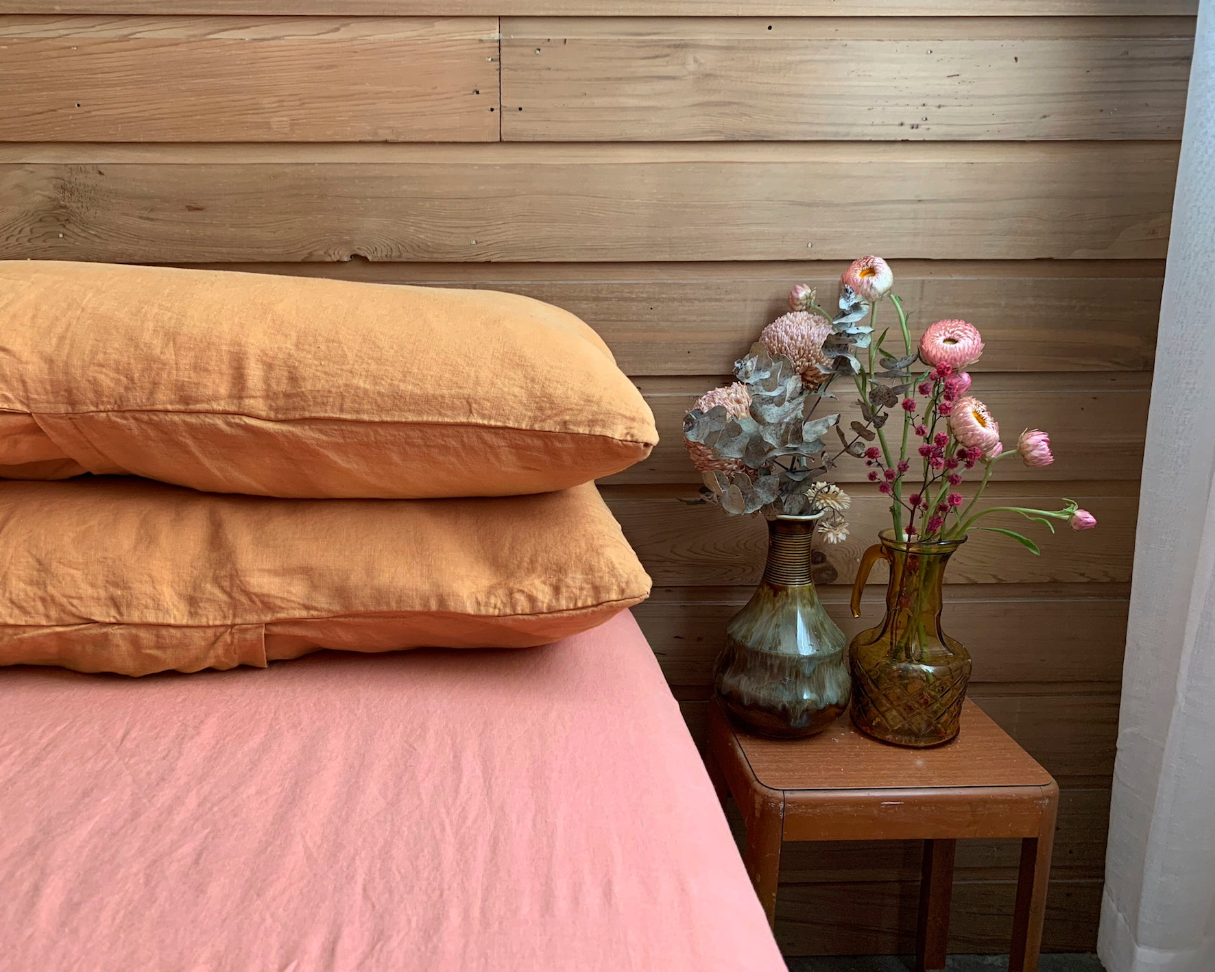 full bed set . dba Set 03. Tonal ready dyed linen