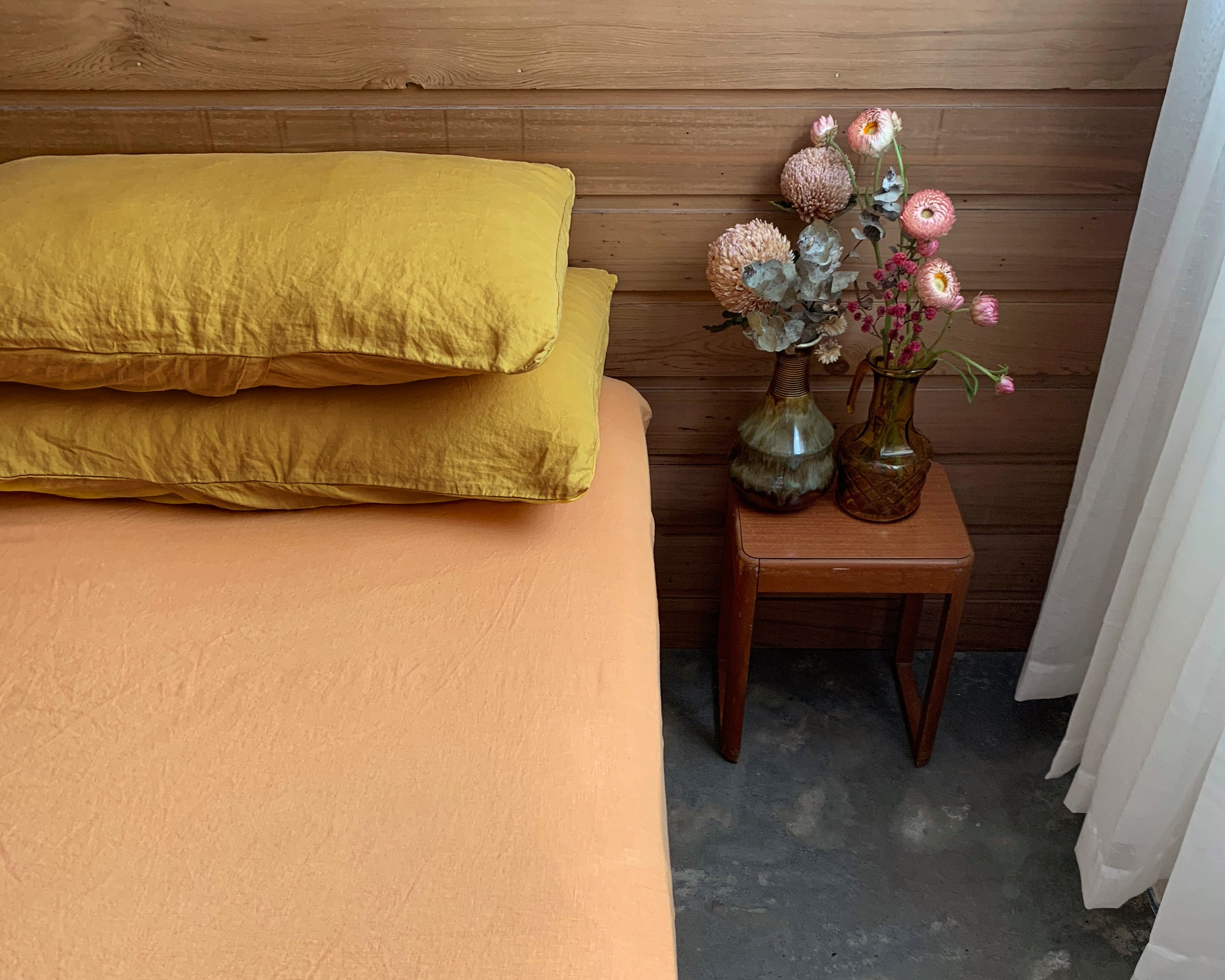 full bed set . dba Set 01. Tonal ready dyed linen