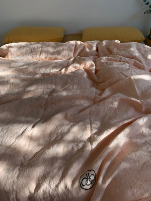 full bed set . dba Set 04. Tonal ready dyed linen