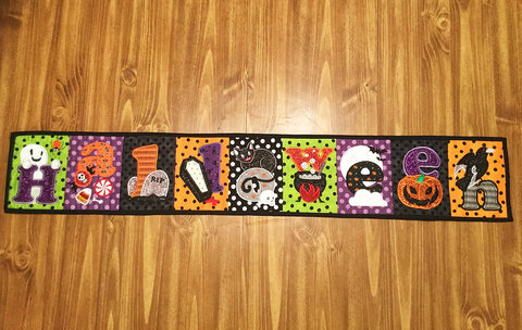 HALLOWEEN FLAG OR TABLE RUNNER 4X4 5X7 6X10 8X12 IN THE HOOP MACHINE EMBROIDERY DESIGN