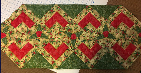 Christmas holly quilt block and table runner 4x4 5x5 6x6 hoop