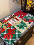 Christmas Presents Placemat/Table Runner 4x4 5x5 6x6