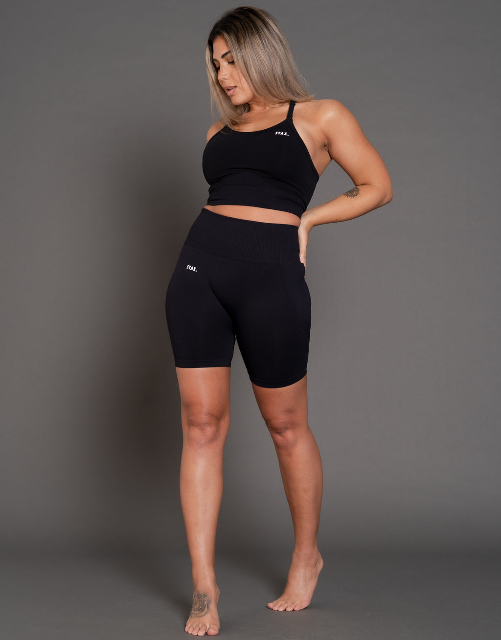 STAX. Premium Seamless V3 Midi Bike Shorts - Black Obsidian (Black)