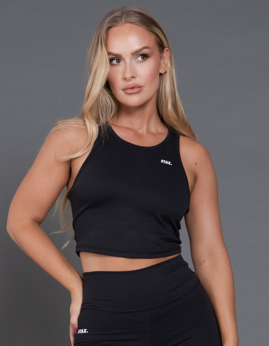 STAX. Best Black V1 Cropped Tank - Black