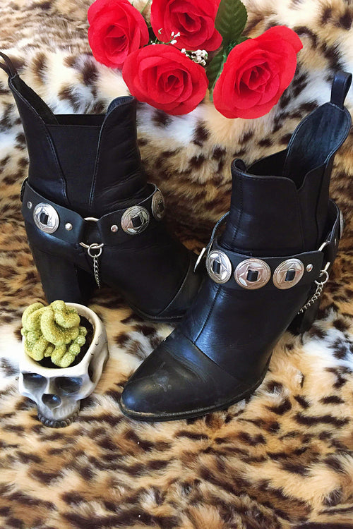 Leather, Concho & Chain Bootstraps
