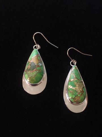 Hand made Mohave green turquoise earrings make a rainy day a little brighter. #catskills #phoenicia #phoeniciany #iloveny #handmade #earrings #jewelry #turquoise #hudsonvalley #upstateny #escapebrooklyn tenderlandhome.com