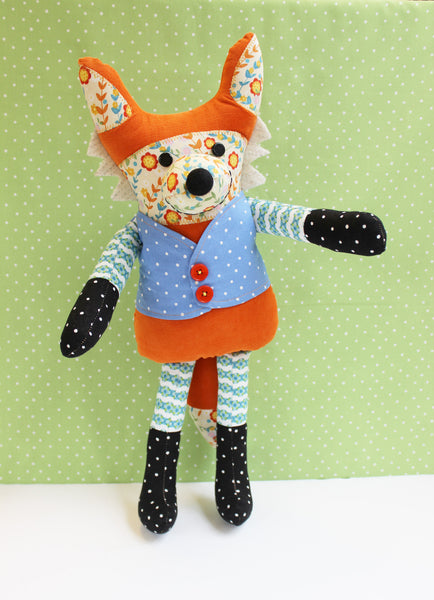 Flannigan Fox Soft Toy Pattern - PDF -Sewing Pattern by Jennifer Jangles
