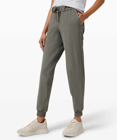 Lululemon 'On the Fly' Jogger Sz: 4