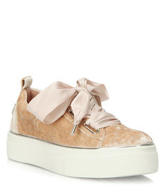 Wishbone Collection Eliza Sneaker Size 6.5