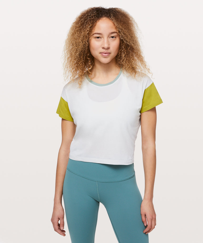 Lululemon Crop Cates Tee Sz: 8