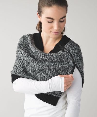 Lululemon Falling Freely Neckwarmer