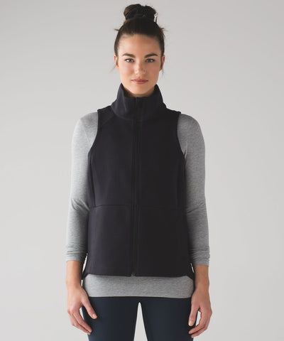 Lululemon Going Places Vest NWT Sz 4