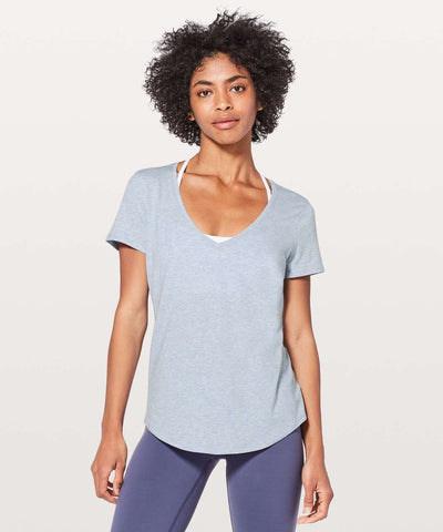 Lululemon 'Love Tee V' Top Sz: 6