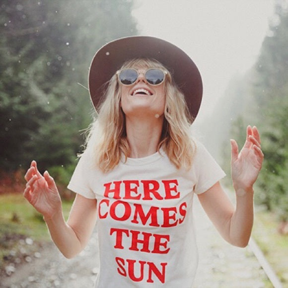Camp Brand Goods 'Here Comes The Sun' T-Shirt Sz:M