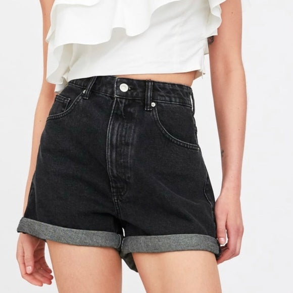 Zara TRF Mom Fit Shorts Sz: M