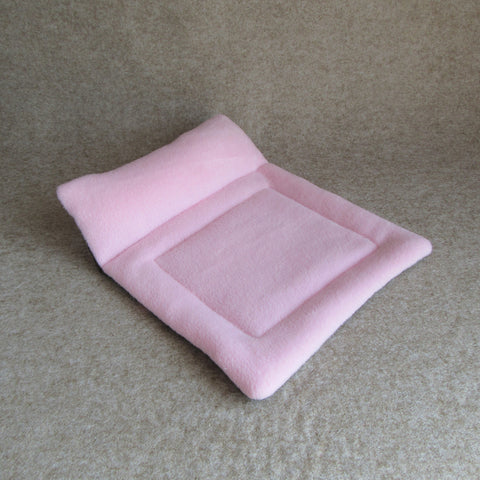 Guinea Pig Chaise Longue - Pink/Brown