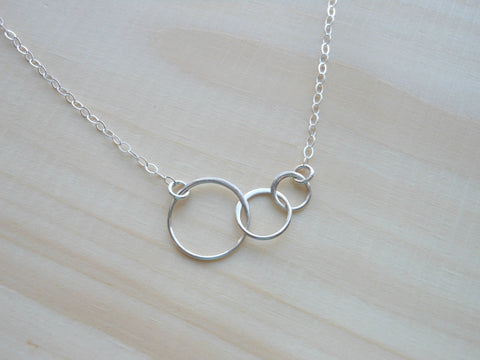 Mothers Necklace, Sterling Silver Interlocked Rings Necklace