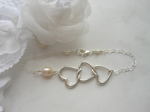 Hearts and freshwater pearl bracelet
