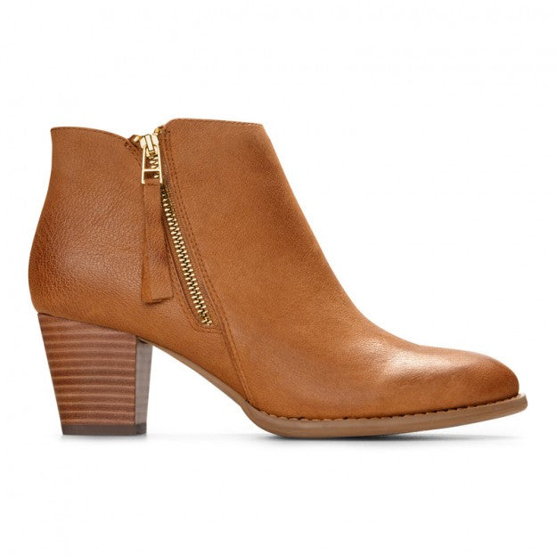 Vionic Sterling booties with arch support