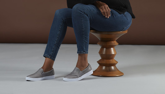 are-sneakers-business-casual
