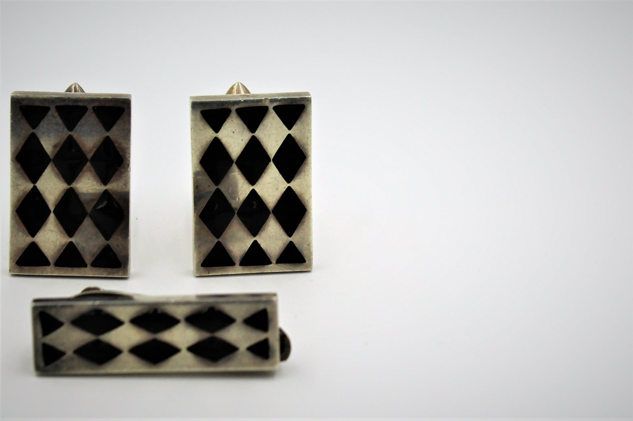 Cuff Links and Tie Bar by Antonio Pineda