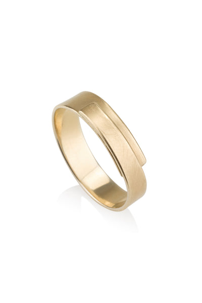 Ellie Ring Wrapped wedding band
