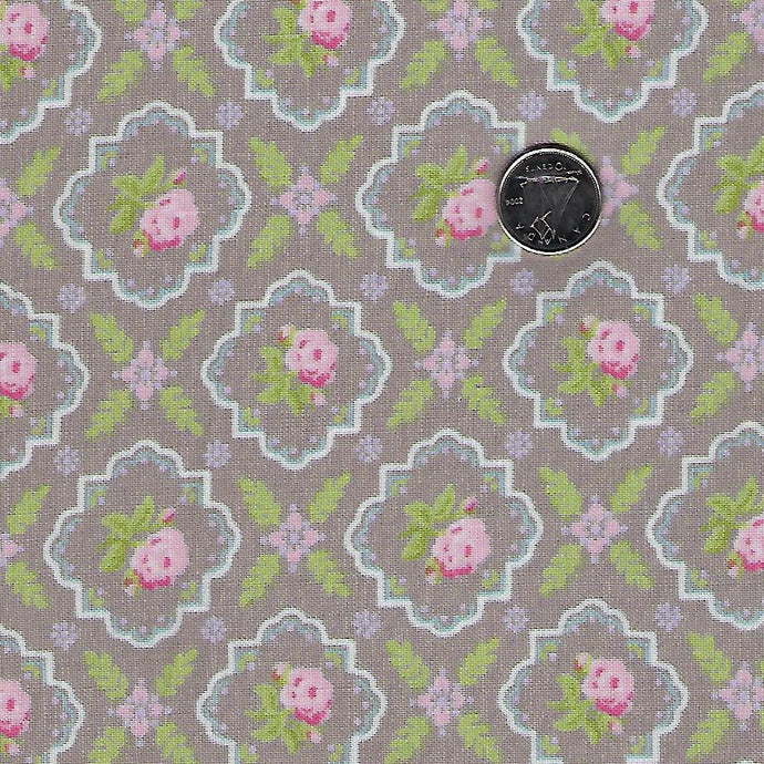 Finnegan by Brenda Riddle Designs for Moda Pebble Medallion Rose