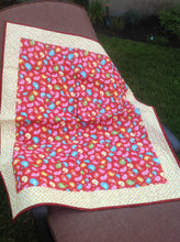 Load image into Gallery viewer, Birdy Tweets Baby Quilt